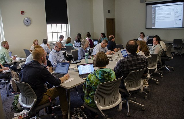 Chelcie leads a session on lightweight tools for digitally inflected assignments. Photo by Susan Sharpless Smith, also available on Flickr.
